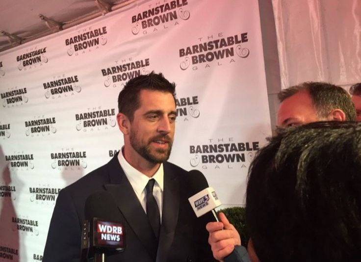 Aaron Rodgers Is Living It Up At The Kentucky Derby -- Green Bay Packers quarterback Aaron Rodgers is living it up at the Kentucky Derby with teammate Randall Cobb and rival Tom Brady.
