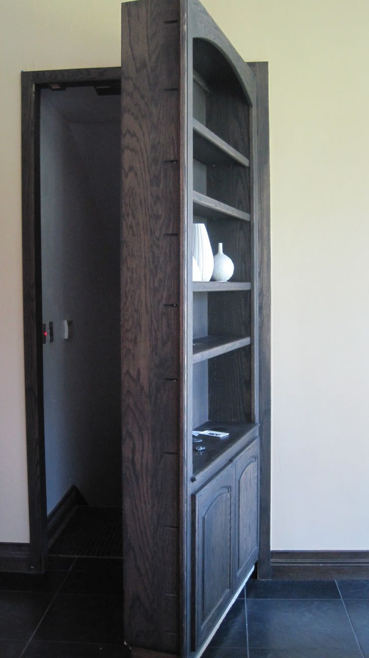Last year, I had a job on a large estate....at the end of one of the many hallways was this bookcase.      After a few days of work, I disc...