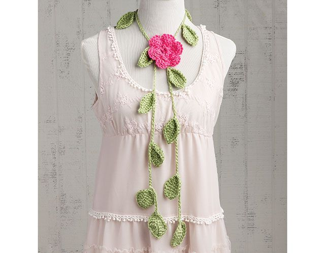 Leafy Vine Scarf with Camellia project from Learn to Crochet Flowers with Kristi Simpson -- an Annie's Online Video Class. Order here: https://www.anniescatalog.com/onlineclasses/detail.html?code=CDV11