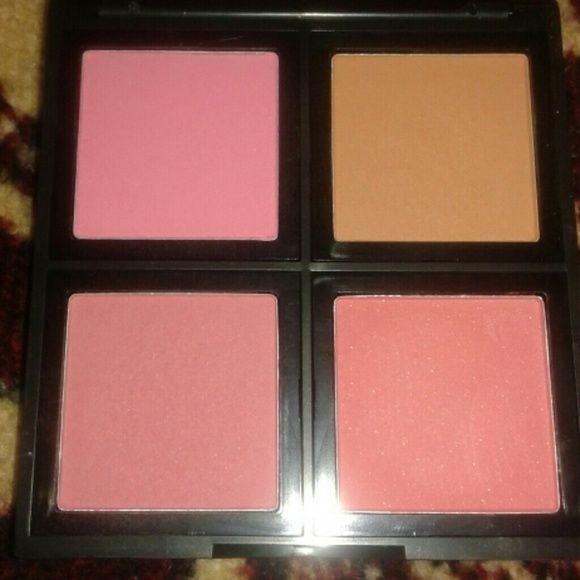 Elf Blush Palette in light Kinda used ELF Makeup Blush