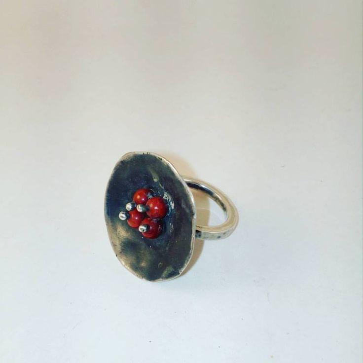 Anillo Plata con coral / Coral silver Ring Perey JoyeriaContemporanea