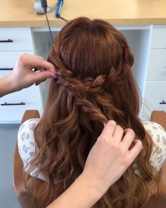 Simple Braided Hair Style -  Supe cute hair style to complete all your looks!  - #braided #diyhairstyleseasy #Hair #hairstylesfemme #redhairstyles #simple #style #prombraidedhair