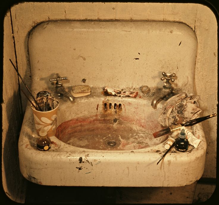 """""""Sink"""" demonstrates Michael Snow's experimentation with transparency and repetition. """"Sink,"""" 1970, Museum of Modern Art."""