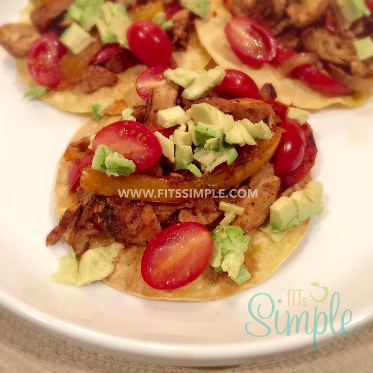 Chicken Fajita Tostadas that are 21 Day Fix Extreme approved!