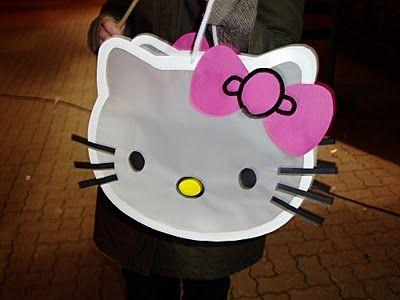 Schattig : een Hello Kitty lampion! Gebruik wit foto karton en wit vliegerpapier voor de lampion en zwart, roze en geel voor wat details!