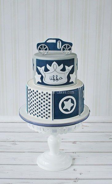 Little Dutch boys cake in denim blue and white