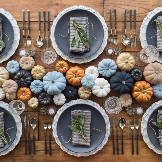 Light Blue and Navy Blue Pumpkin Centerpiece Tablescape – shared by casadeperrin on Instagram
