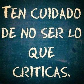 Eres TODITITO lo que criticas!!