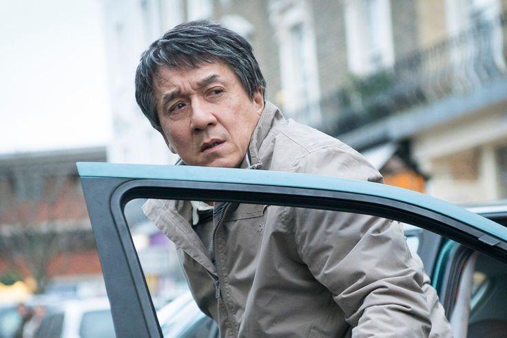 Voilà le type de film dans lequel j'aime voir Jackie Chan au lieu de productions comme Skiptrace avec Johnny Knoxville par exemple. Dans The Foreigner qui est attendu pour le mois d'Octobre prochain au cinéma, l'acteur chinois campera le rôle d'un humble homme d'affaire qui a perdu sa faille dans un attentat dans le quartier chinois de Londres. Ancien membre des forces spéciales de son pays, il va traquer les responsables jusqu'à affronter l'un des membres du gouvernement anglais qui…