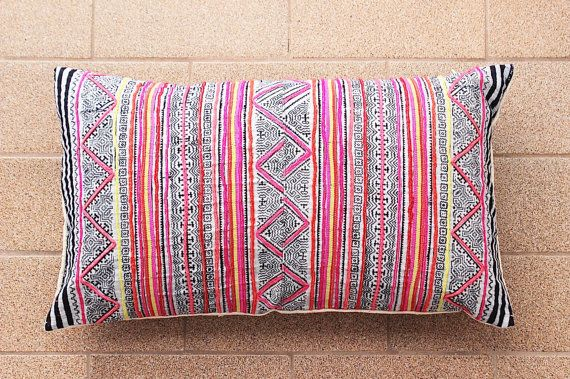 Boho Bohème Rare VINTAGE HMONG Textile Batik Patch par Tshaj