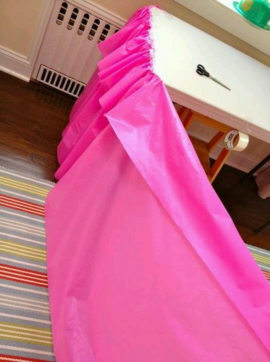 Gathered plastic tablecloth to make frill