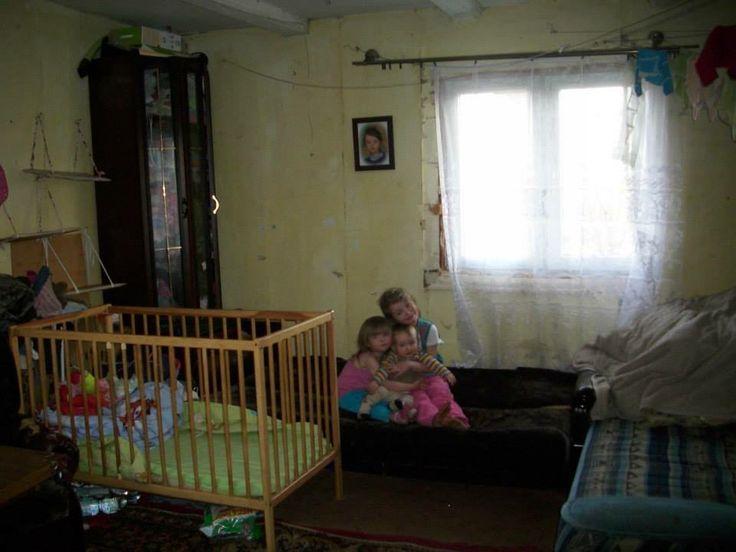 Cudowne dzieciaczki ! Czekają grzecznie na nowe pokoje i pomagają w pracach jak mogą :)