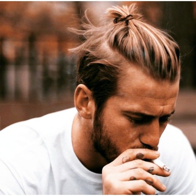 """Fuhx with bunzz, you know I got it!"" I guess I'm on a Jay-Z kick right now..oh well ha  #manbunmonday #manbuns #mun #broknot #brobun #topknot #topbun #bundaddies #ilovehim #ilovedabunz"