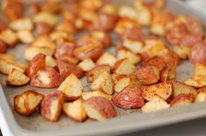 Garlic Roasted Baby Red Potatoes--Perfectly crispy on the outside and tender on the inside.