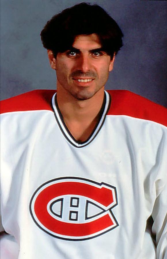 Jean-Jacques Daigneault a été sélectionné au premier tour (10e) du repêchage de 1984 par les Canucks de Vancouver. Encore aujourd'hui, le nom de Daigneault figure parmi les joueurs ayant représenté le plus d'équipes (10) dans la LNH. Outre Vancouver, Daigneault a joué pour les Flyers de Philadelphie, le Tricolore, les Blues de St-Louis, les Penguins de Pittsburgh, les Mighty Ducks d'Anaheim, les Islanders de New York, les Predators de Nashville, les Coyotes de Phoenix et le Wild du…