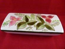 Stangl Pottery Cigarette Box Trillium Flower Design 3793 c. 1947-49, $50Stangl Pottery, Cigarettes Boxes, Boxes Trillium, Pottery Cigarettes, Flower Design, Round Bottom, Bottom Cigarettes, Kay Hackett, Design 3793