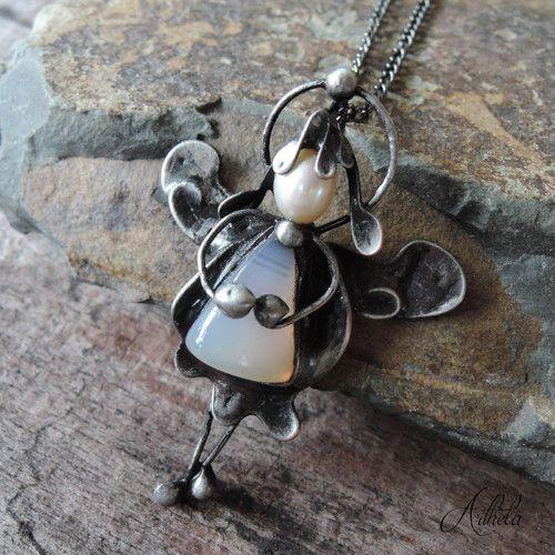 Strážníček - růženín, říční perla