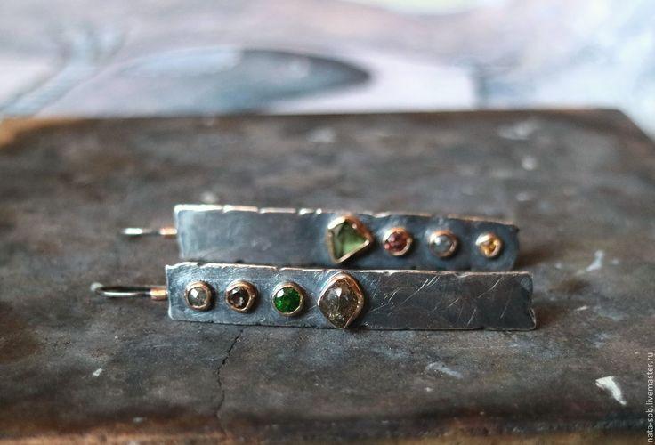 Купить ROCKET MAN длинные серьги (алмазы-гранаты-сапфир, серебро, золото) - оливковый