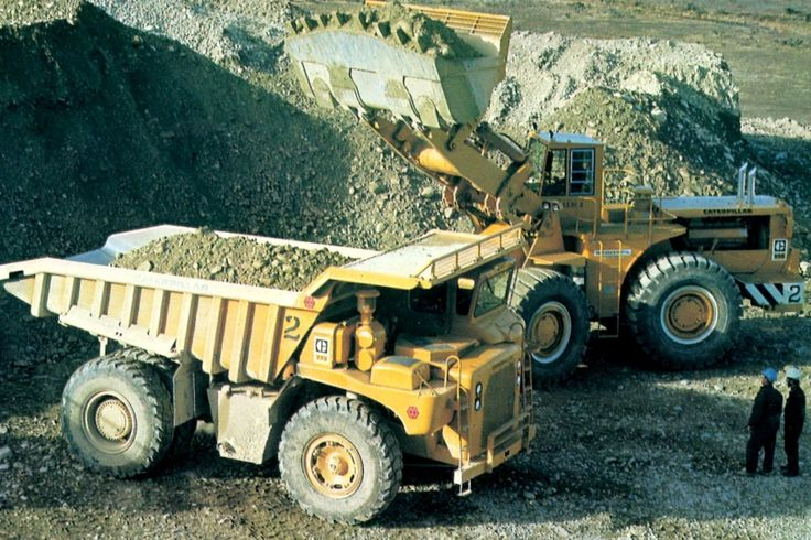 The original Cat 992, before letter designations were introduced. #CatMachines