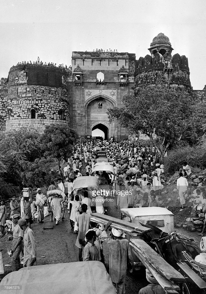 Social History, Politics, Asia, The Partition of India and Pakistan, pic: 1947, Muslim refugees from India at a refugee camp