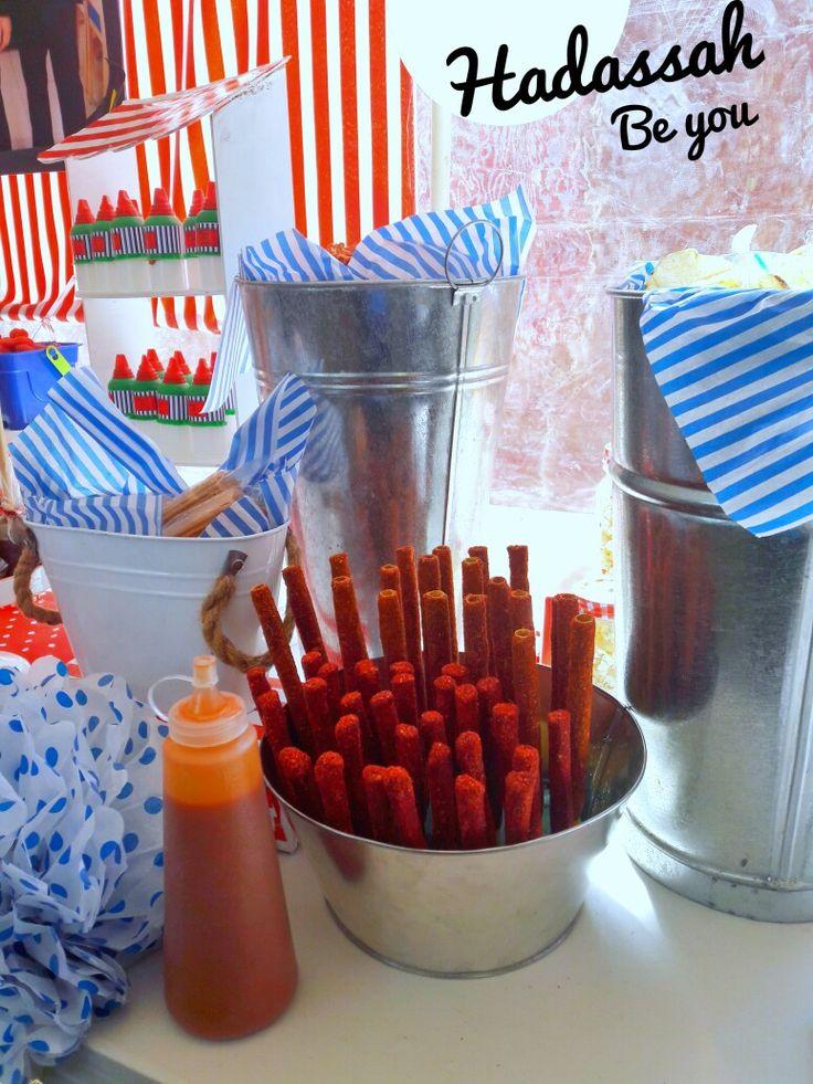 Mesa de Dulces Rojo con azul