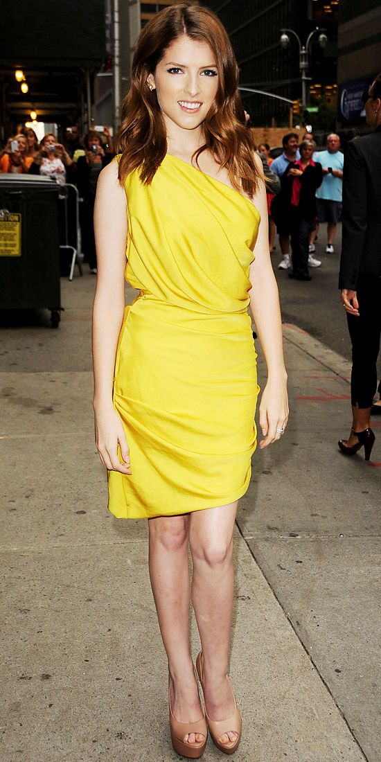 Anna Kendrick taped an interview with David Letterman in Halston Heritage's asymmetric yellow sheath, diamond Dana Rebecca Designs jewels and leather peep-toes.
