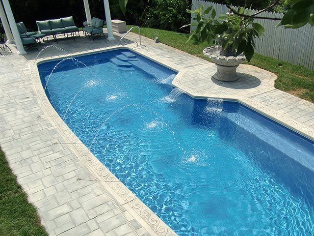 La piscina es uno de los lugares más visitados de la casa. Aquí podemos divertirse tomando un baño y hablando con nuestros amigos