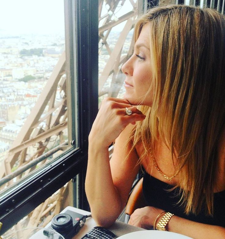 Jennifer Aniston Is Not a Mother, and No Less a Woman