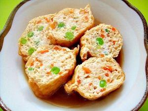 「油揚げの鶏ひき肉詰め煮」ヘルシーな胸肉の挽肉に、野菜をたっぷり詰めました。甘辛味でご飯のおかずにピッタリです。【楽天レシピ】