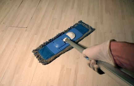 How to Wax VCT Floors After Installation thumbnail