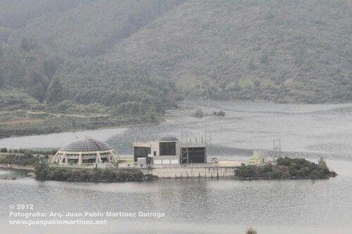 En los alrededores de Bogotá la represa que provee de Agua a esta gran ciudad