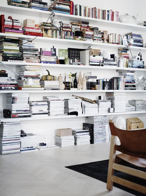Source: La Maison dAnna G Books, books  more books. One of simplest yet most effective styling tools. Note how the shelving is minimal and the books do all the talking :)