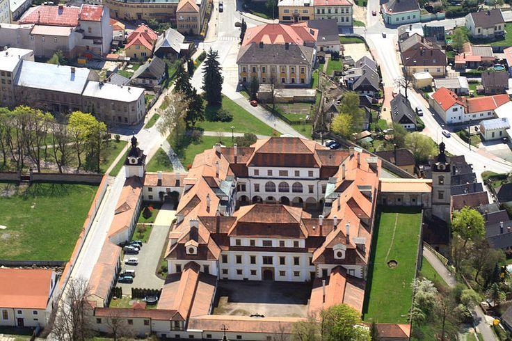 File:Rychnov nad Kněžnou from air M-2.jpg - Wikimedia Commons