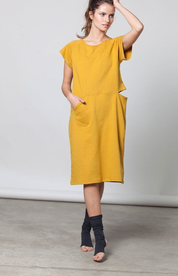 Pocket dress with a slit in cotton French terry от duende74