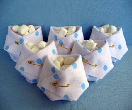 Souvenir pa al de tela con golosinas con telas for Baby shower decoration ideas with diapers