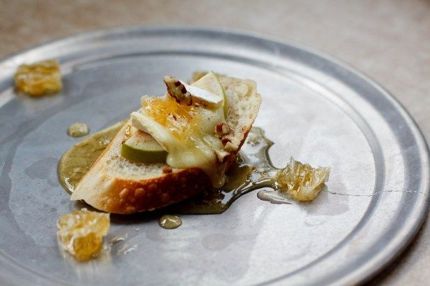 ... amp dill pickles apple honeycomb amp brie crostini amp a giveaway