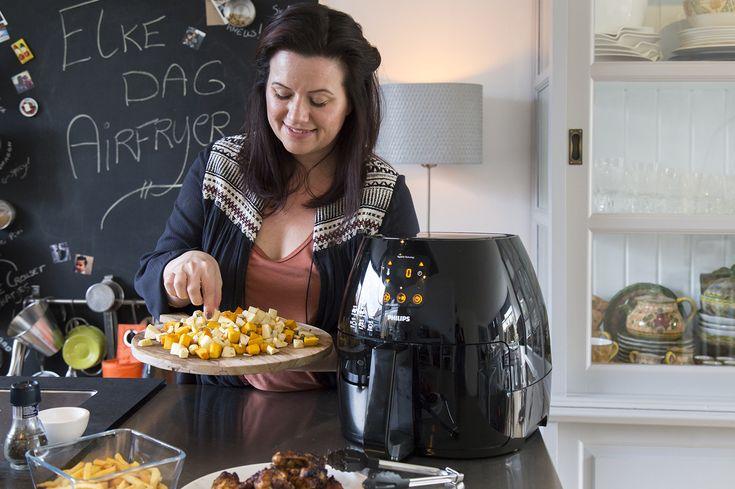 Geroosterde kip en groenten uit de Airfryer? Zeker weten! Ik laat je in dit artikel (inclusief video) zien hoe! // Francesca Kookt