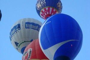 la coupe Icare 2015  Vous savez que le ballon Arlette Gruss est vraiment un des plus beaux ballons existant actuellement ??? En tout cas c'est l'avis de nombreux pilotes et aussi celui du public…. Il n'y a qu'à regarder les images et on comprend tout a fait que cela est vrai….  #cirquearlettegruss #cirque #éléplant #fréjus #apéritif #larochelle #Bordeaux #Paris #valenciennes #Dunkerque #Lille #Mulhouse #Colmar #Troyes #Reims #Cabris #Gassin #StTropez #Hyeres #Valbonne #Montpellier #Avignon…