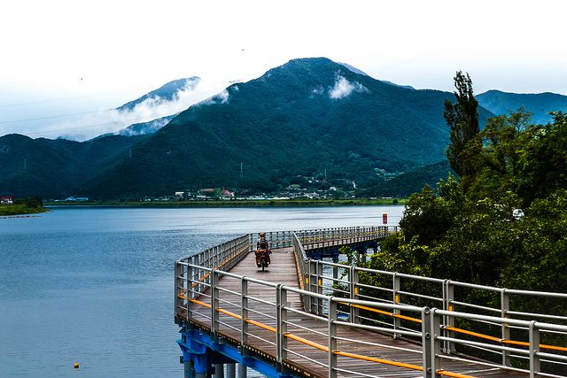 ~1700km bike trail in Korea... yes please! Cycling on the Nakdonggang Bike Trail in Korea by worldbiking.info
