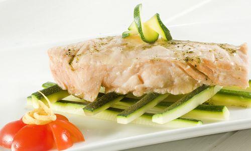 #Salmone e zucchine  al vapore - In cucina con #ricette #light