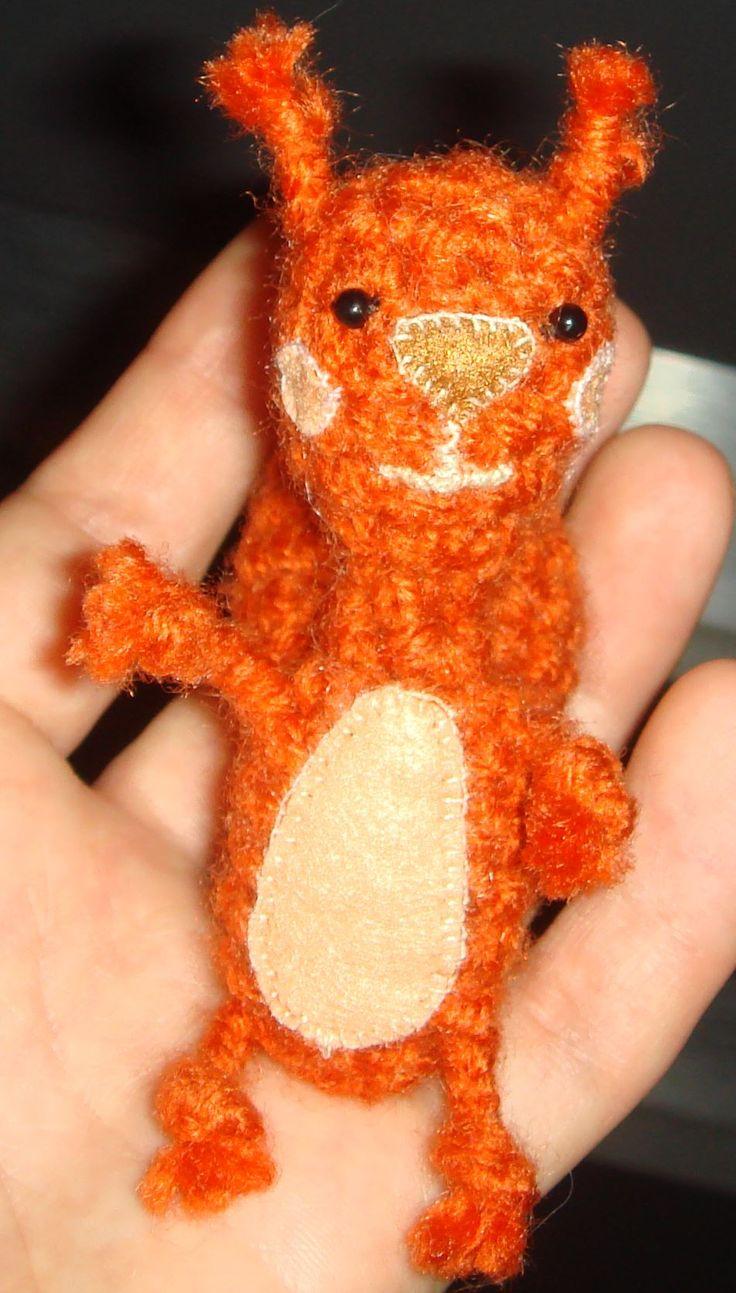 trochę jakby wiewiórka, szydełkowa :)