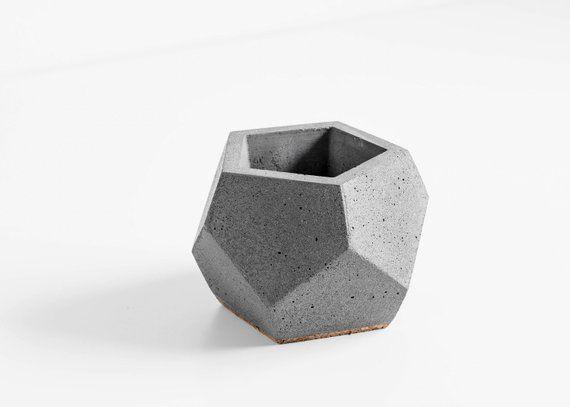 Смеси бетонные горячие крысы грызут бетон