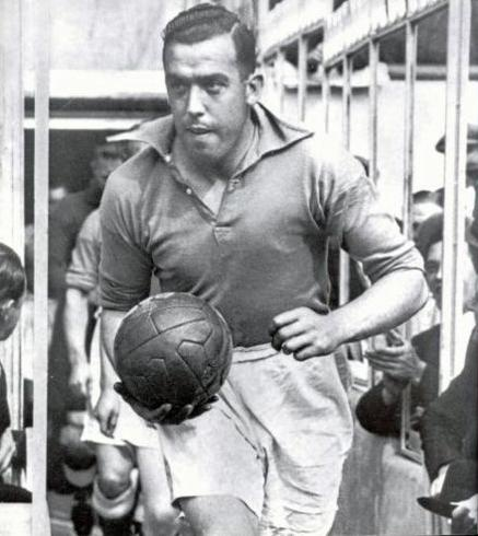 DIXIE DEAN. TRANMERE, EVERTON NAD ENGLAND. THE HOKEY POKEY MAN AND AN INSANE HAWKER OF FISH BY CONNIE DURAND. AVAILABLE ON AMAZON KINDLE