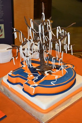 Girl Meets Cake, Prattville AL ~ I found her on Facebook and thought this cake was too cute! Toomer's Corner!