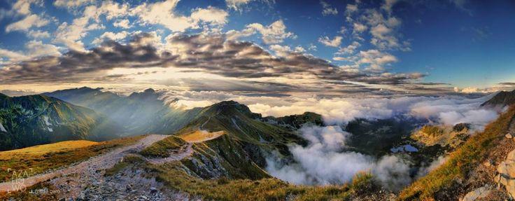 """Sierpniowe popołudnie w Tatrach - """"Cudze chwalicie, swego nie znacie"""". Udowania, że najpiękniesze niebo to to nad Polską"""