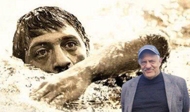 Erdal Acet, Adana Demirsporlu Milli yüzücü. 1962-1972 yılları arasında sürekli milli takımda yer aldı.  8 kez düzenlenen uluslar arası İstanbul Yüzme Maratonu'nda 7 kez yarıştı. İstanbul yüzme maratonunda 5 birincilik 2 ikincilik aldı.  1966 yıllında Türk-Macar ve İsrail yüzücüleri arasında Pendik-Burgaz-Fenerbahçe parkuru üzerinde yapılan ilk milletlerarası yüzme maratonunda ilk üçte yer almıştır.  Erdal Acet, Manş Denizi'ni geçmek için Kutal Özülkü antrönörlüğünde hazırlık yapmıştır.