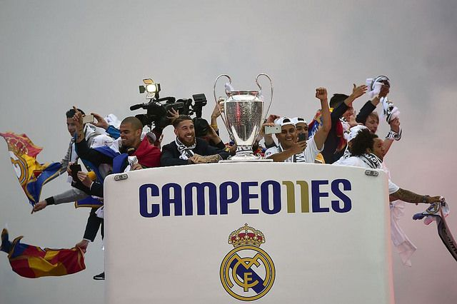 El Real Madrid celebra en la Cibeles la Champions League | Football Manager All Star