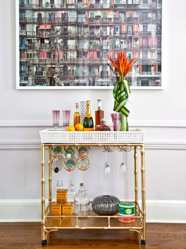 """Getting ready for holidays? Learn """"How to Style the Perfect Bar Cart for Any Party"""". #HolidayParty"""