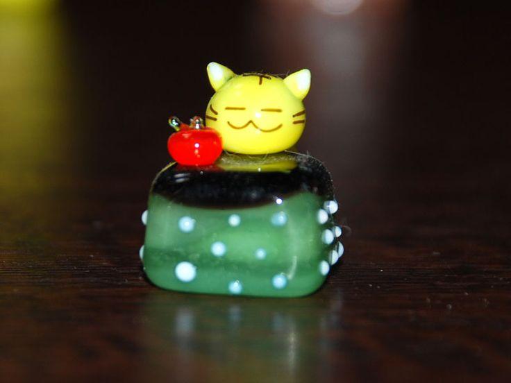 【楽天市場】こたつ ネコ とら【小樽 ガラス細工 手作りガラス 硝子 パーツ オーナメント 父の日 プレゼント】【あす楽対応】【猫 ねこ キャット 子猫】:万華鏡とオルゴールの店「癒し館」