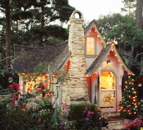 Twinkly lights everywhere. As if Carmel wasn't magical and quaint enough. #WritingRetreats #CarmelbytheSea #BookMama